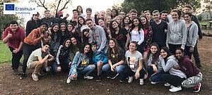 Gruppe Schülerinnen und Schüler