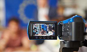 Blick auf Bildschirm einer Videokamera