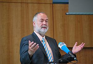 Markus Meckel hält seine Rede