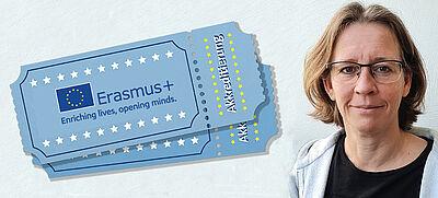 Lehrerin mit Erasmus+ Ticket für Akkreditierung