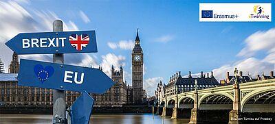 """Foto des britischen Parlaments, davor zwei Wegweiser """"EU"""" und """"Brexit"""" in entgegengesetzte Richtungen"""