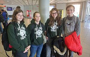Schüler mit Irland-Sweatshirt