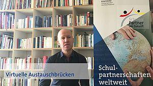 Mann vor Bücherregal mit eingeblendetem Videotitel Virtuelle Austauschbrücken, Grundlagen der Projektpädagogik