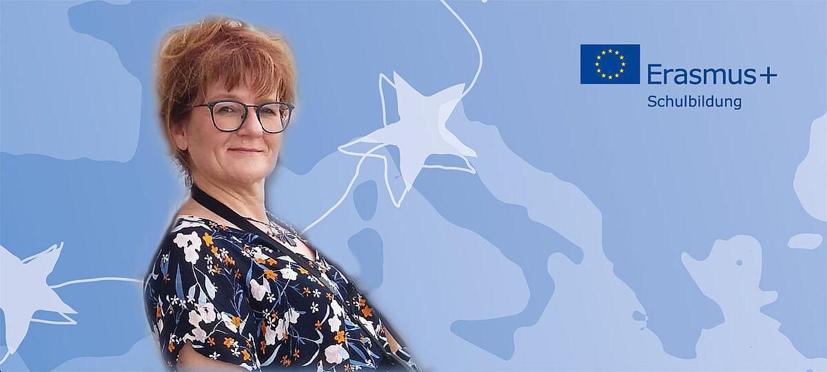 Porträt mit Logo Erasmus+ Schulbildung