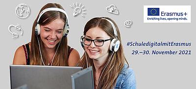 Schülerinnen mit Laptops #SchuledigitalmitErasmus