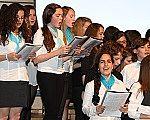 Der Schülerchor beim Auftritt