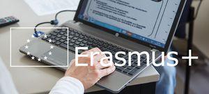 Notebook mit Überschrift Erasmus+