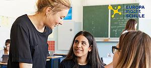 Menschen in einem Klassenzimmer