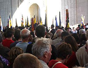 Gedenkfeier im Meningate Memorial