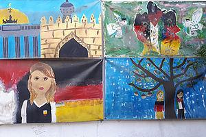 Vier Bilder von Schülerinnen gemalt