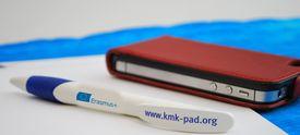 Kugelschreiber und Smartphone
