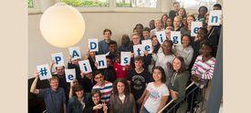 Gruppenbild Schüler/-innen, die am Internationalen Preisträgerprogramm des PAD teilnehmen