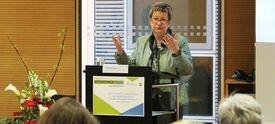 NRW-Schulministerin Sylvia Löhrmann am Redepult