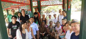 Gruppe deutscher und chinesischer Personen