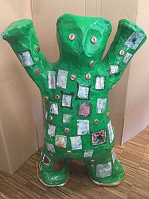 Grüner Berliner Bär aus Pappmaché