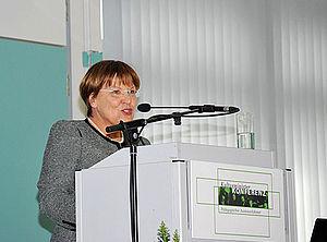 Brunhild Kurth bei ihrer Eröffnungsrede