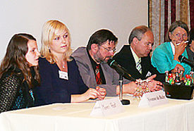 Teilnehmer einer Podiumsdiskussion