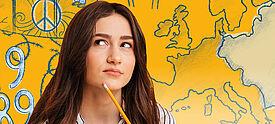 Junge Frau vor gezeichneter Europakarte mit Friedenssymbolen